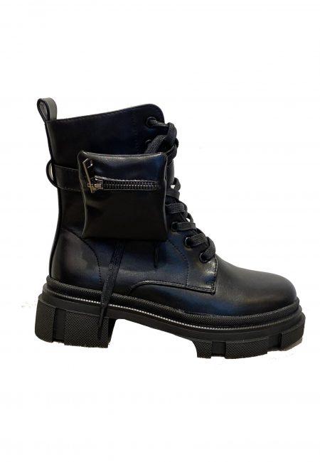 Zwarte stoere veter boots met rits en zakje aan zijkant