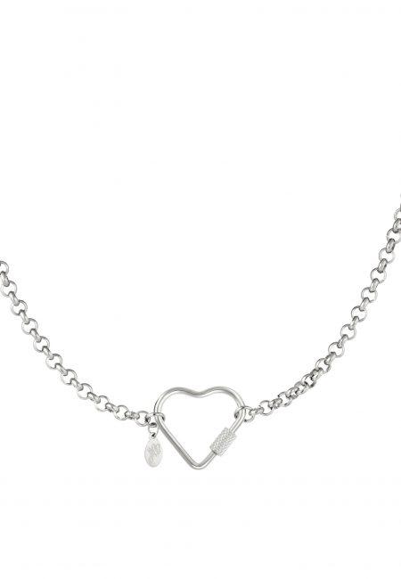 Zilverkleurige ketting met hart